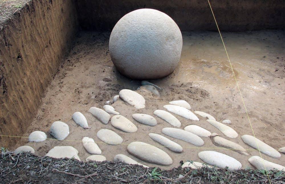 Dikís stone spheres