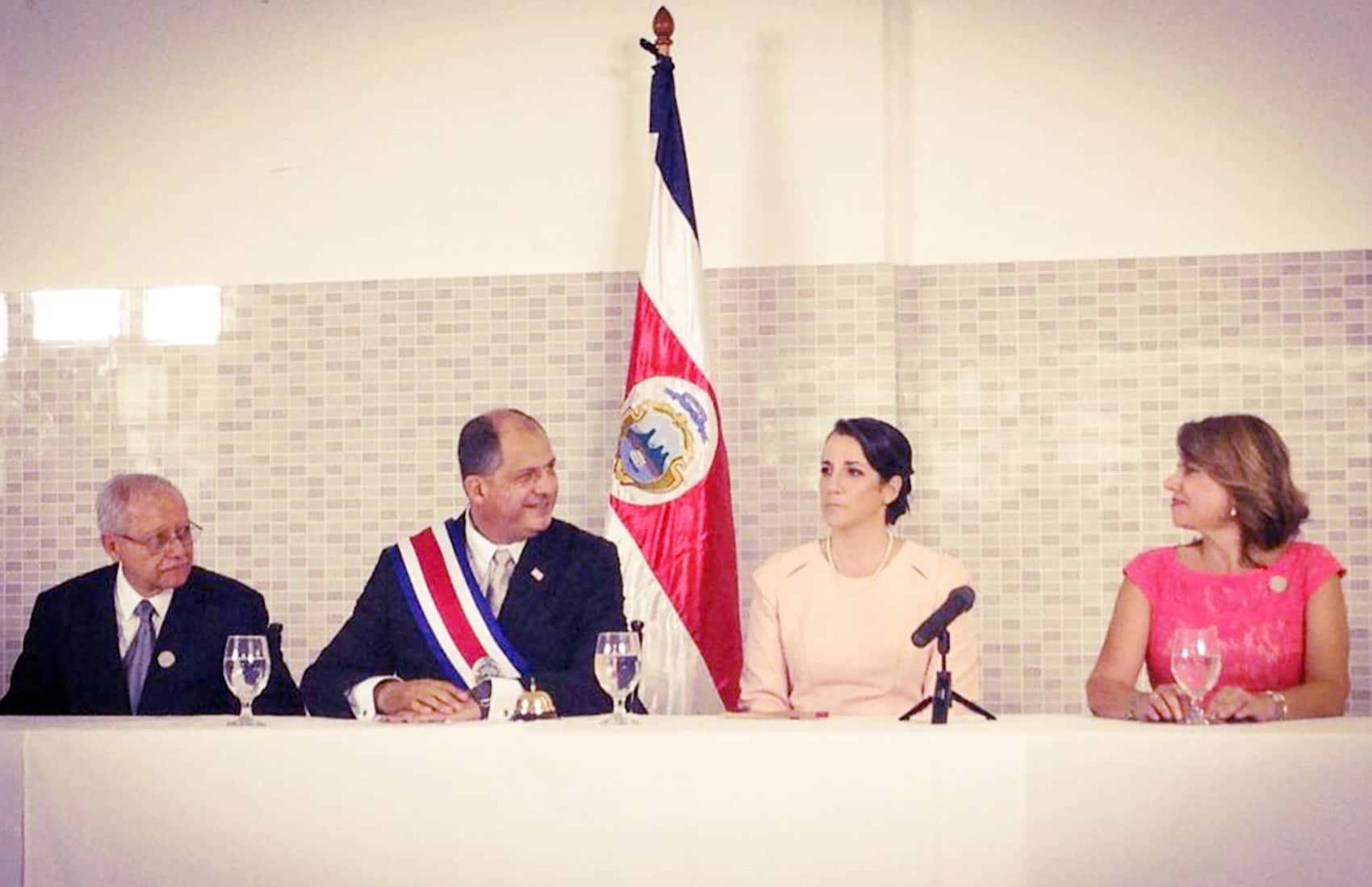 Luis Guillermo Solís first cabinet meeting