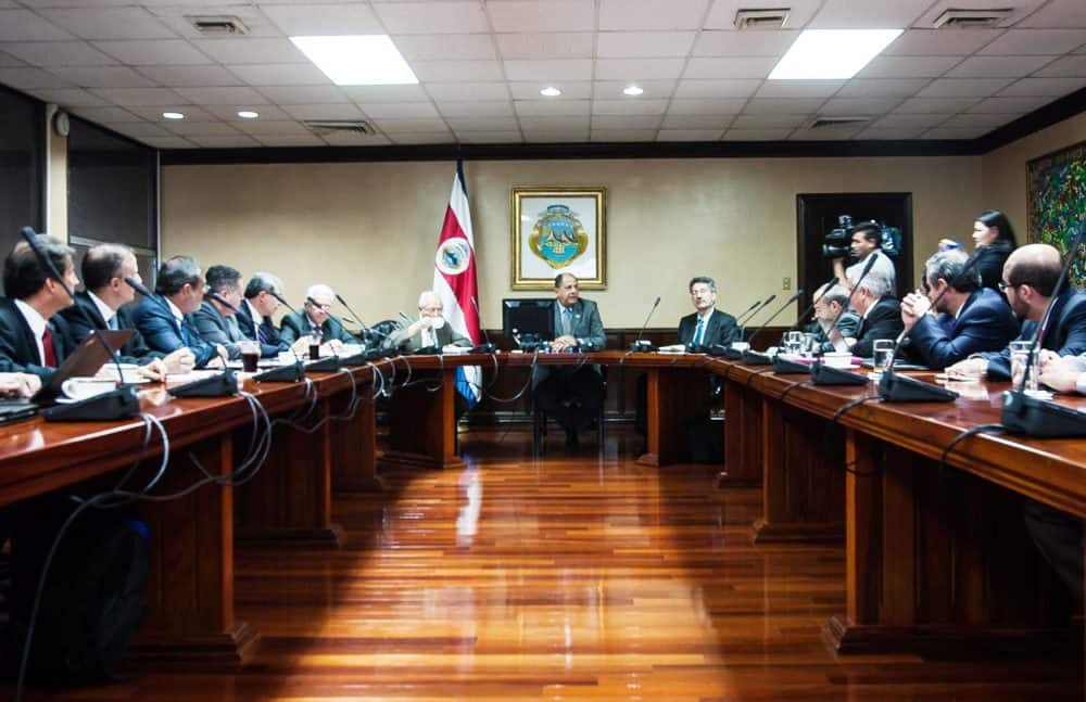 President Solís meeting with Costa Rican Banking Association