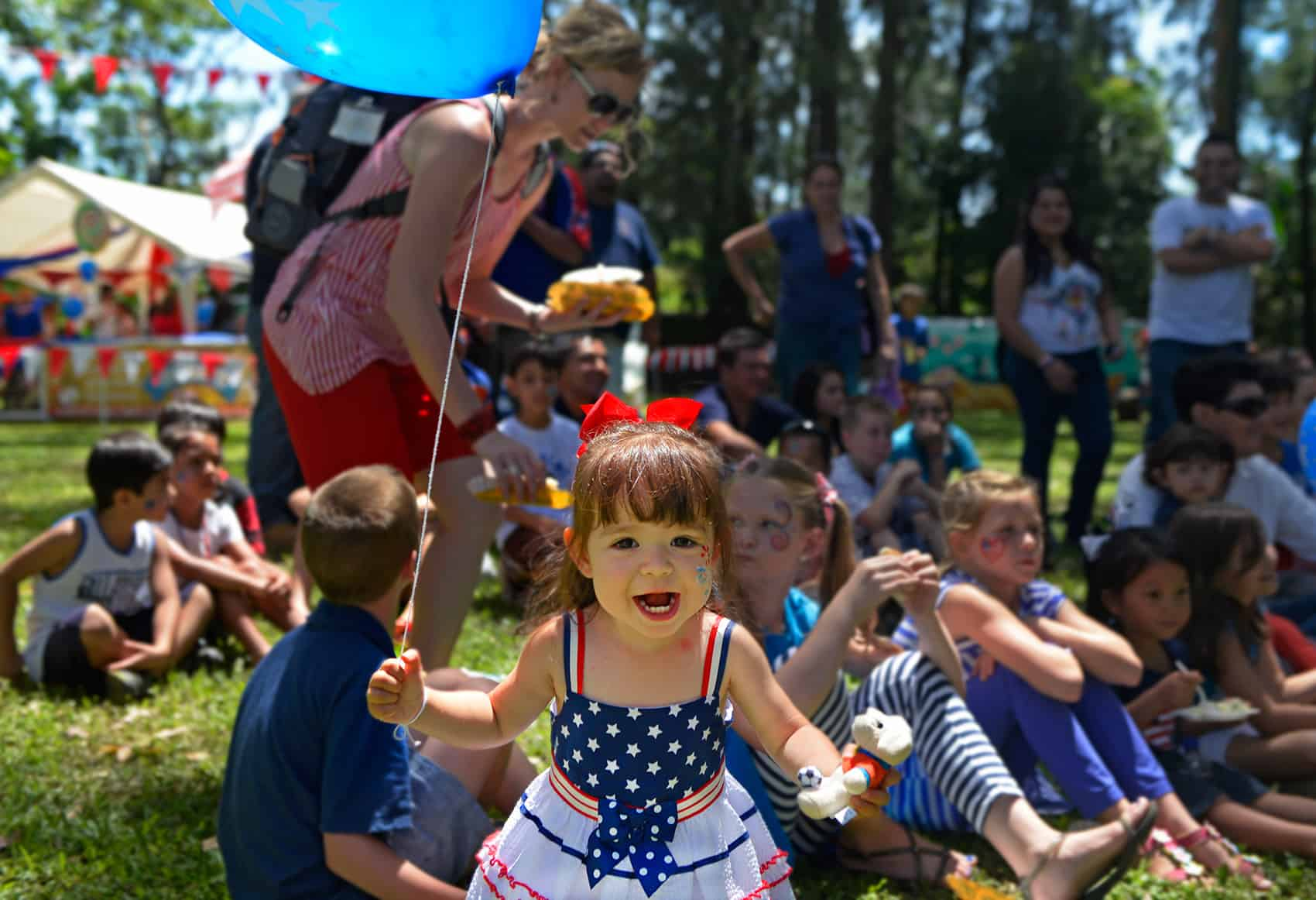 4th of July picnic, little girl