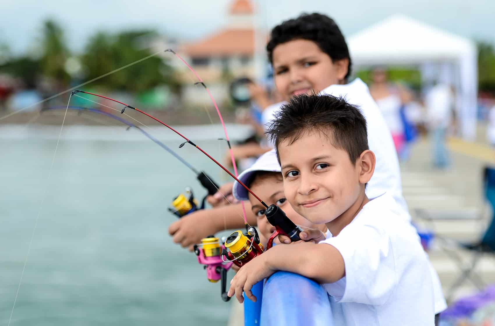 children fishing Costa Rica