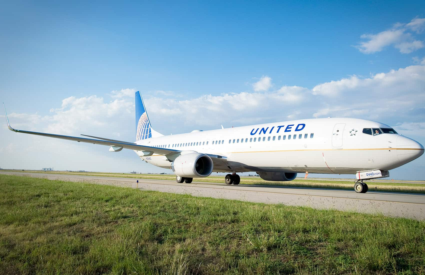 united airlines announces more nonstop flights to houston and new