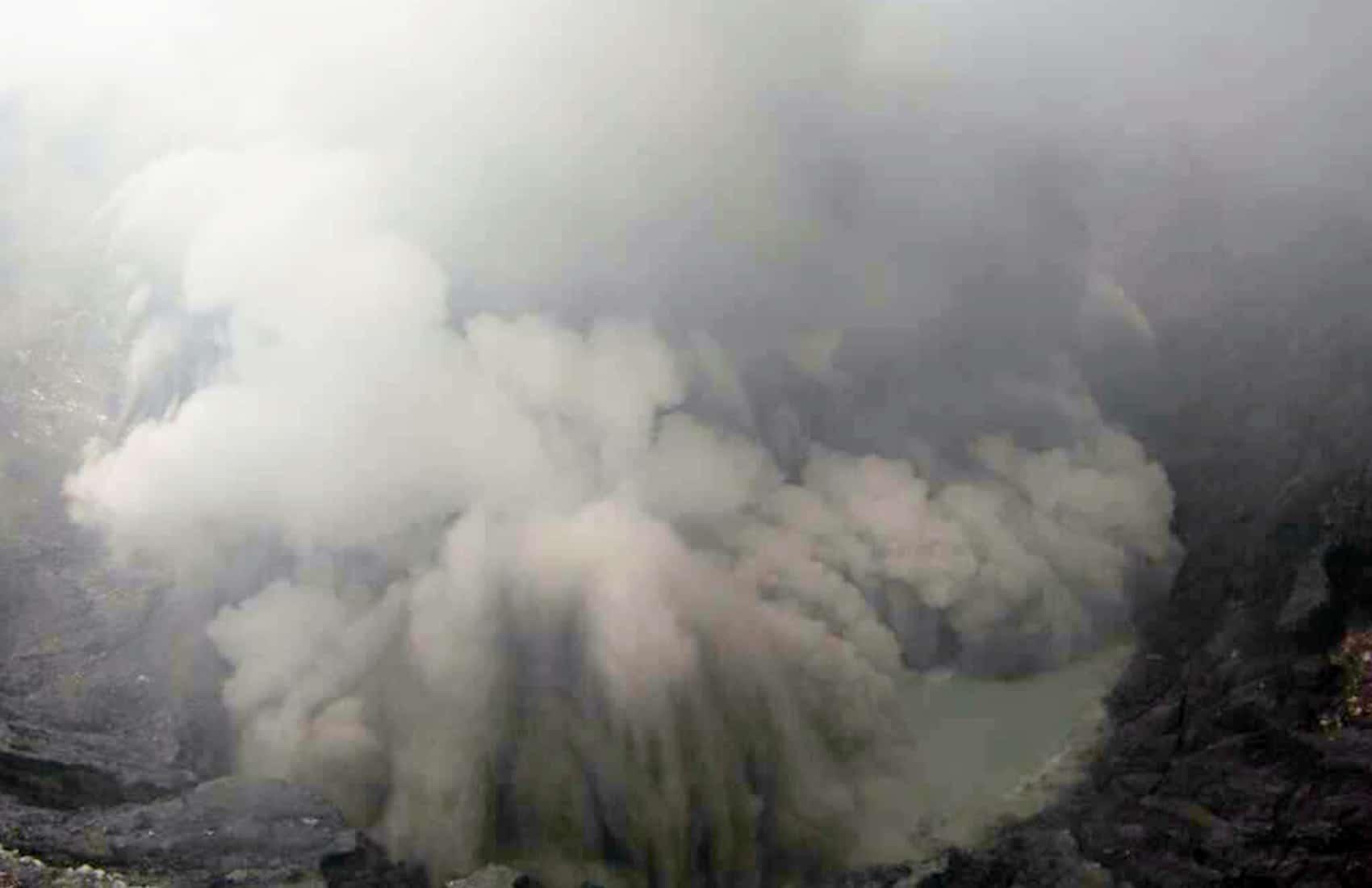 Explosion at Poás Volcano, Oct. 13 2014