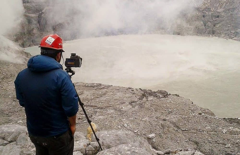 Inspection at Poás Volcano crater