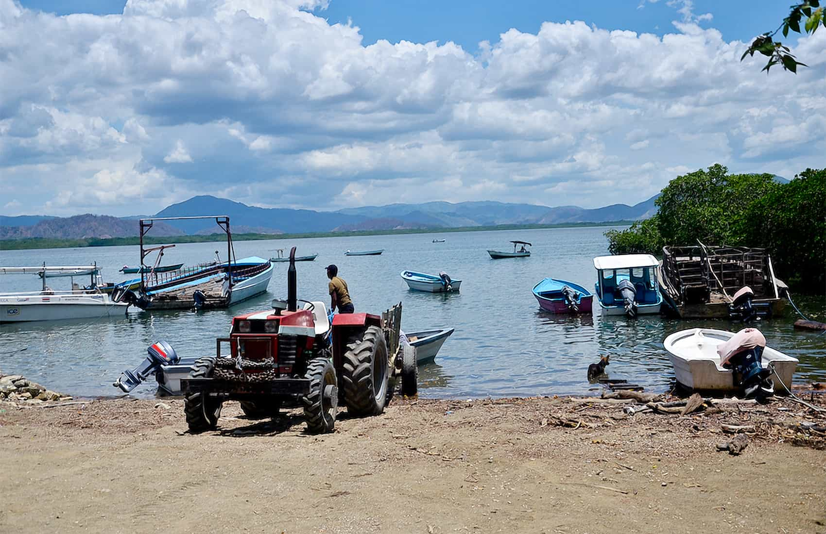Artisanal fishers at Chira Island