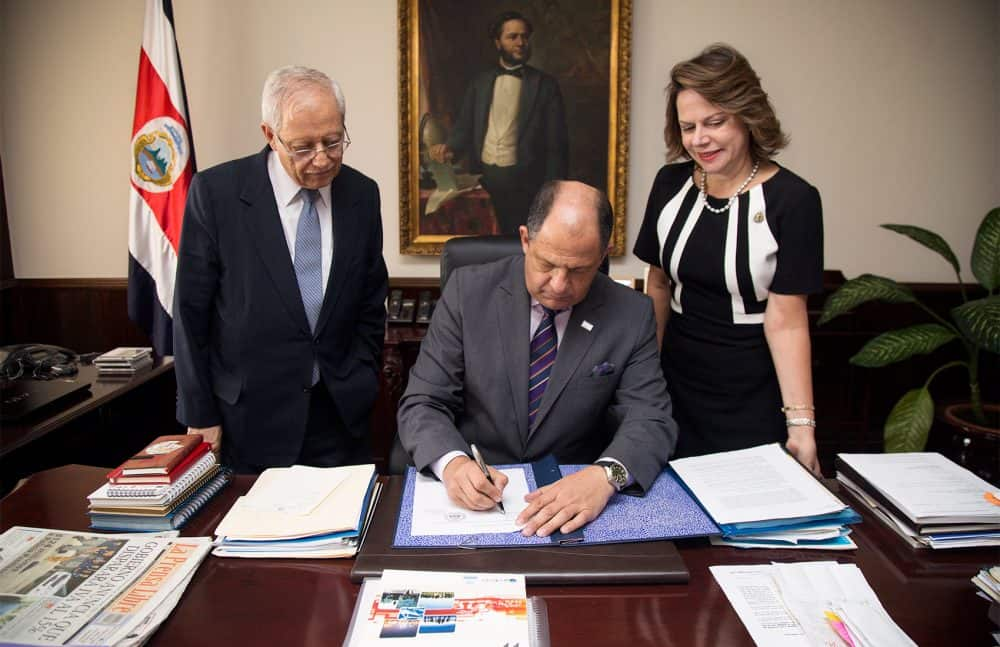 President Luis Guillermo Solís in Turrialba