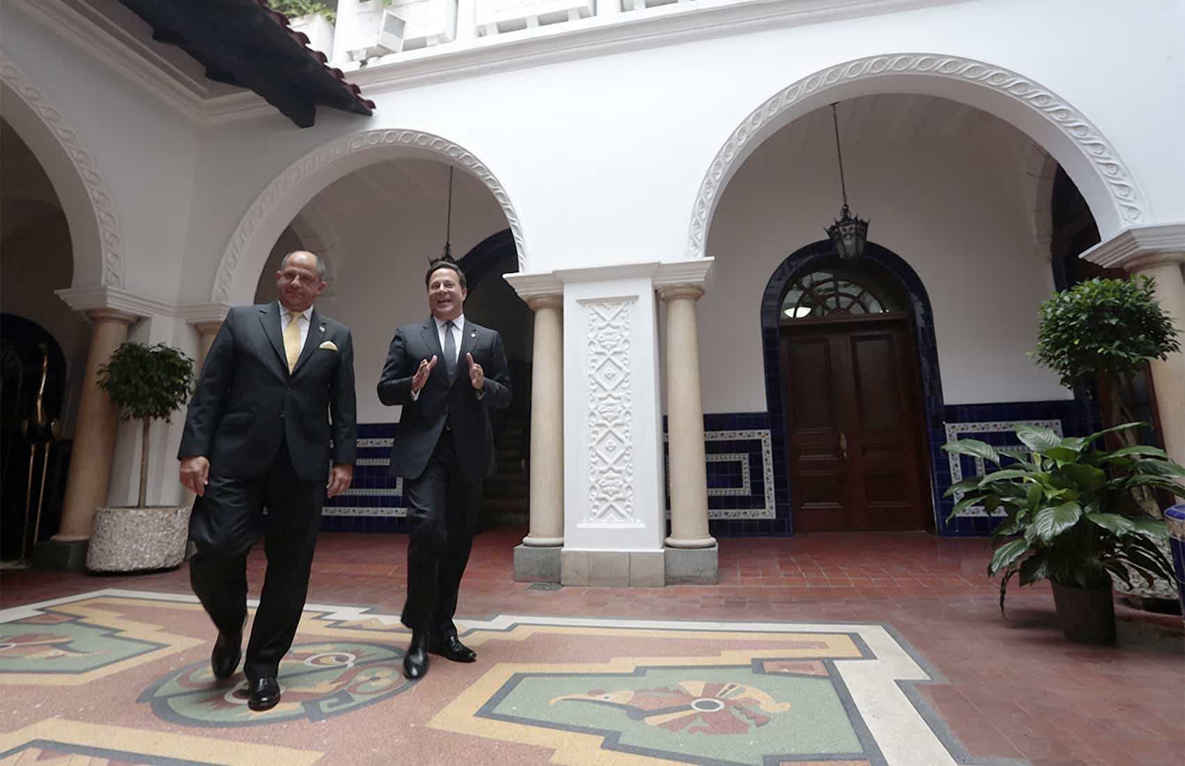 CR President Luis Guillermo Solís and Panama's Juan Carlos Varela