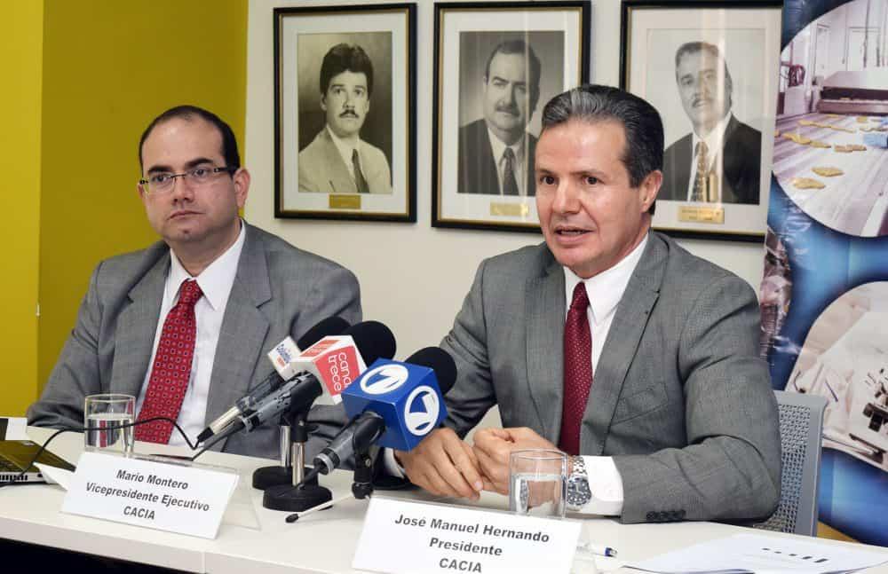 CACIA President José Manuel Hernando, Vice President Mario Montero