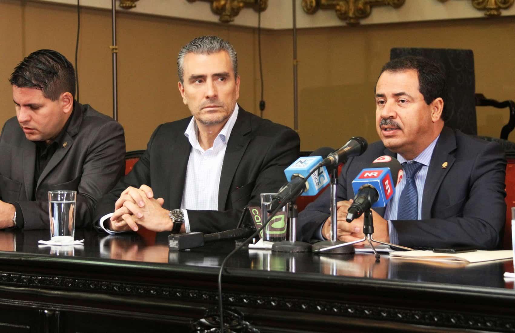 Lawmakers press conference. Dec. 19, 2014.