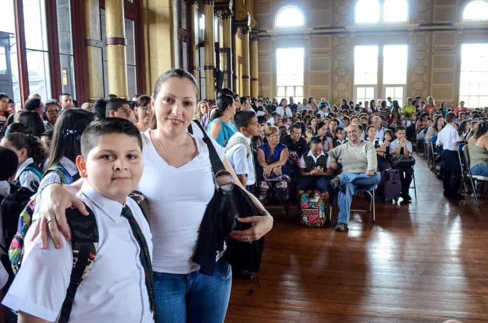 students in San José