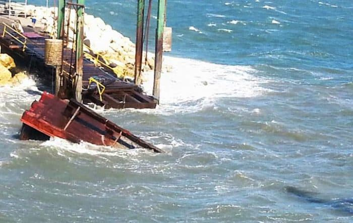 Puntarenas - Playa Naranjo dock