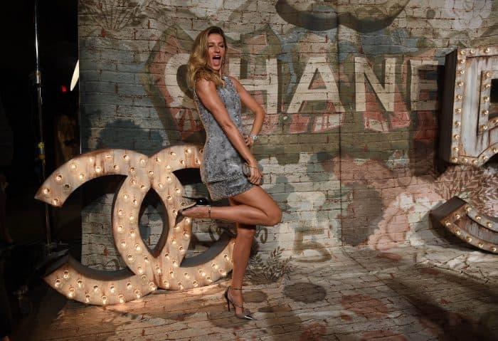 Gisele Bundchen arrives for a Chanel dinner.
