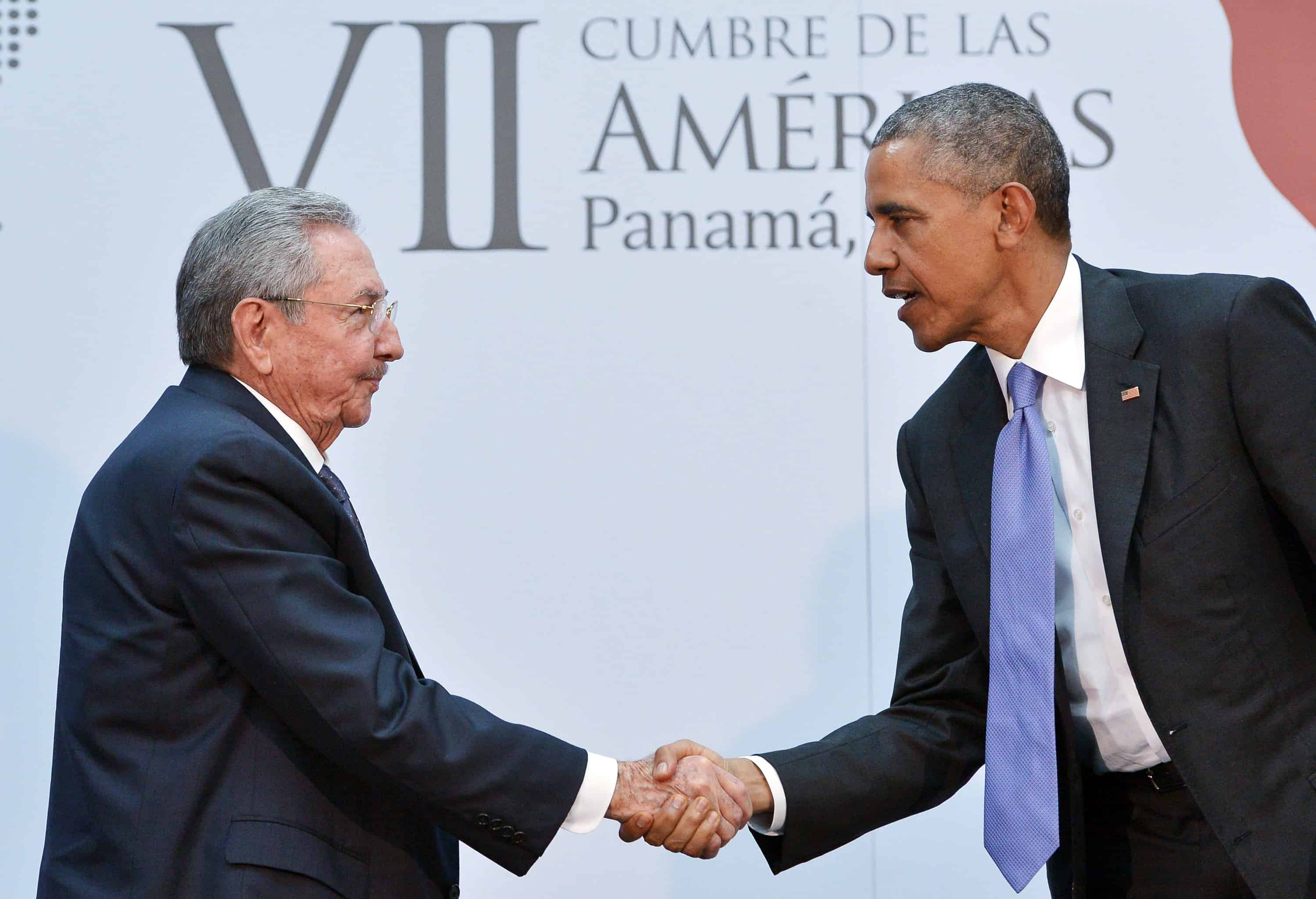 U.S. President Barack Obama shakes hands with Cuba's President Raul Castro during a meeting on the sidelines of the Summit of the Americas at the ATLAPA Convention center on April 11, 2015 in Panama City.