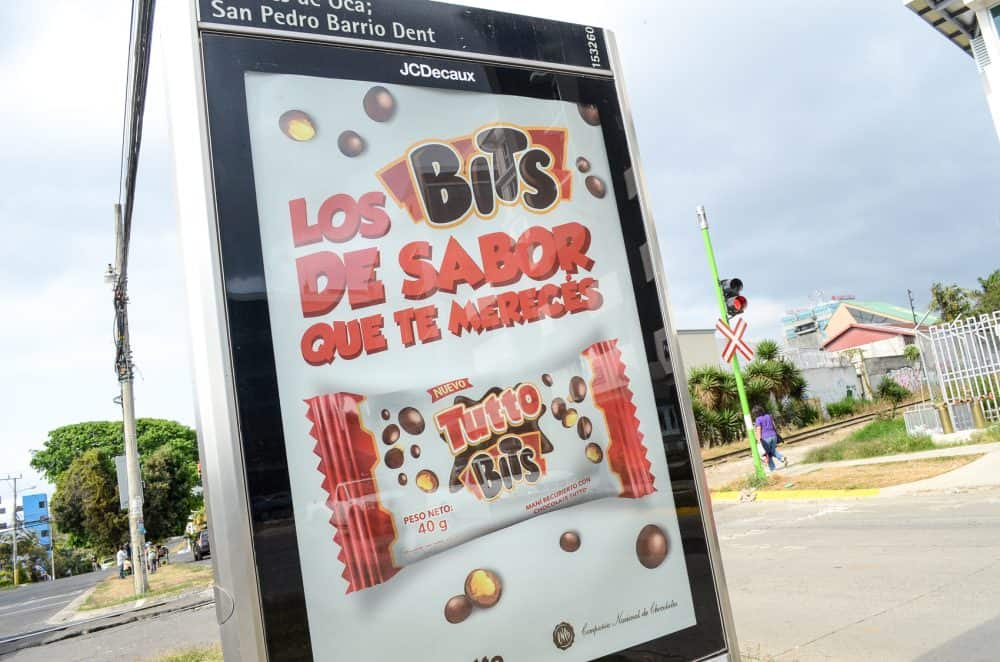 "An advertising billboard for ""Los Bits de Sabor"""