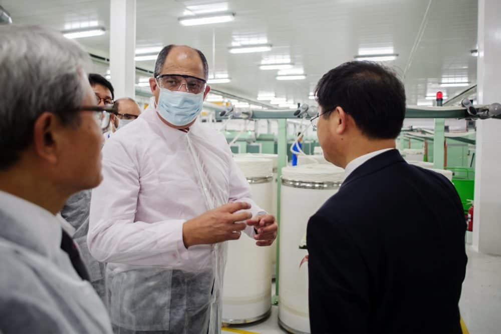 President Luis Guillermo Solís at SAE-A Spinning plant
