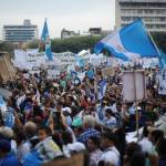 Resignation rumors of Guatemala's Pérez Molina grow after fourth week of protests