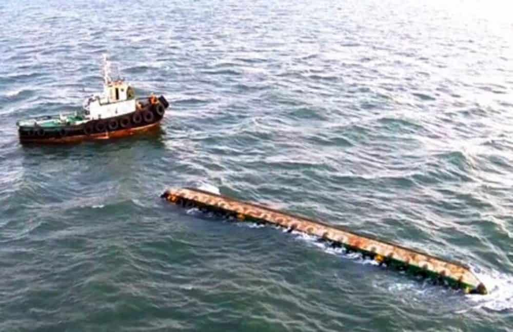 Capsized barge, May 2 2015