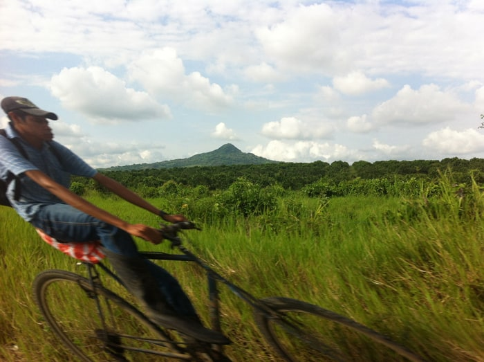 A bicyclist on the road between Tampico and Veracruz.