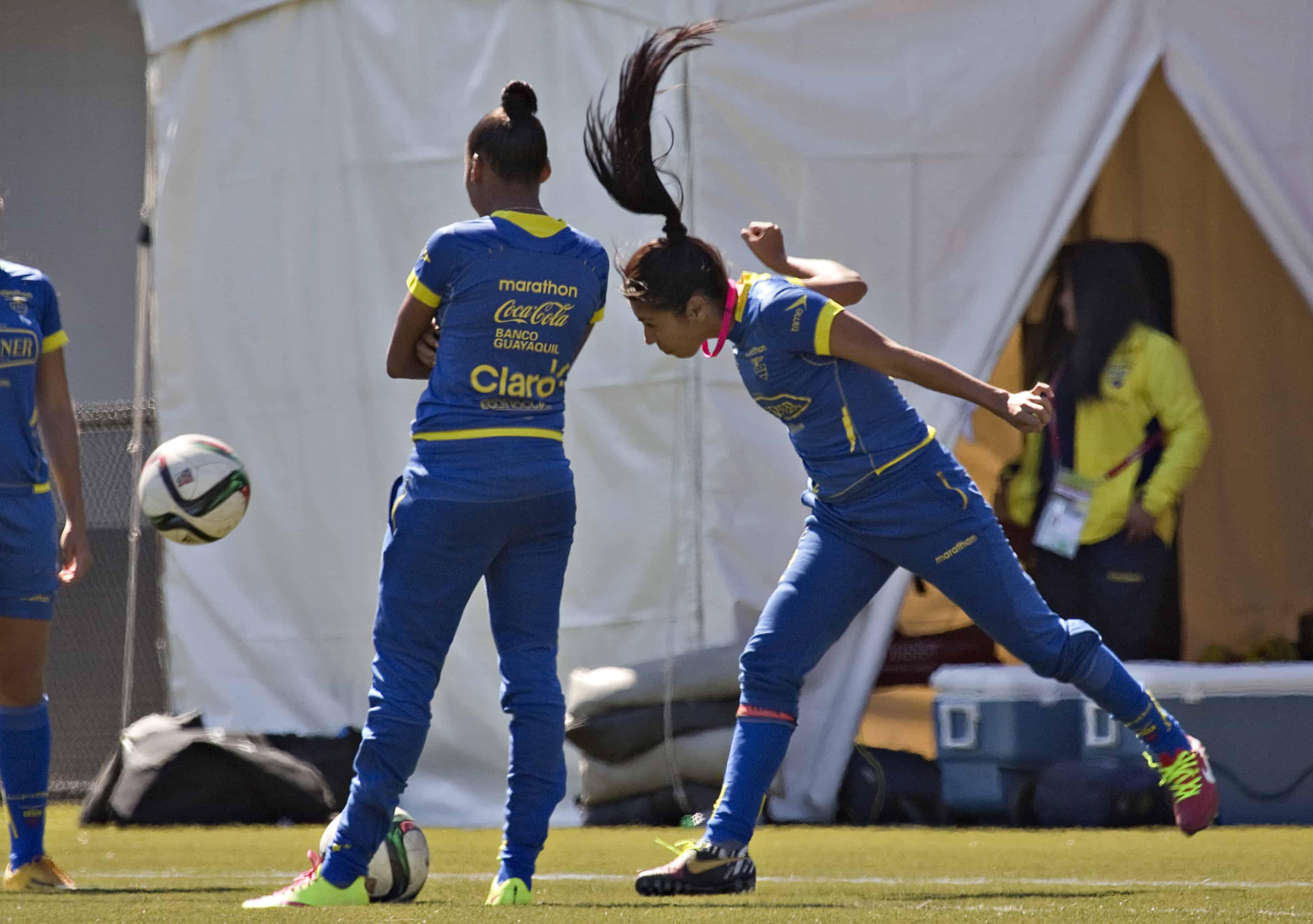 Ecuador defender Katherine Ortiz.