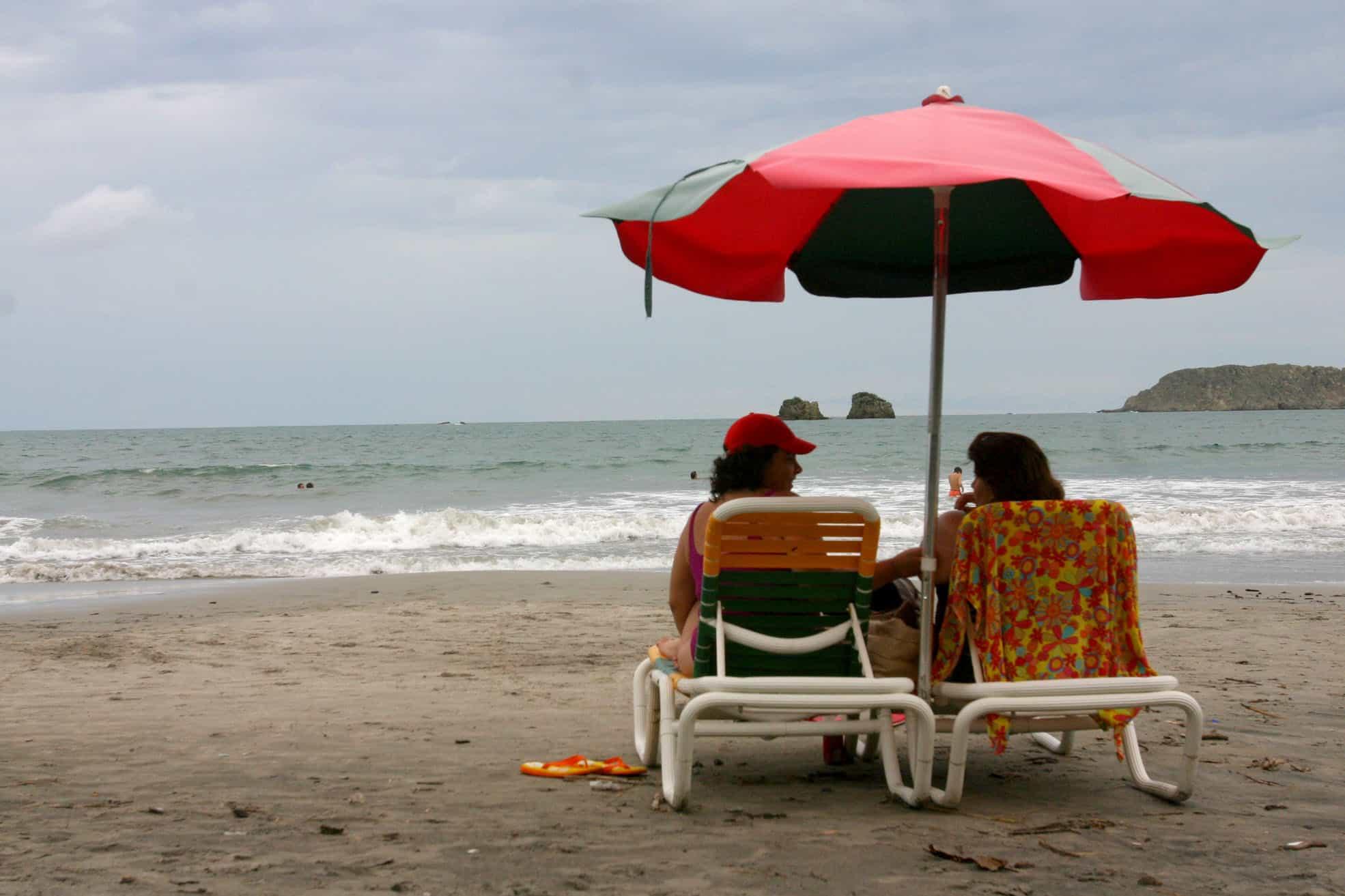 Manuel Antonio Beach makes us happy.