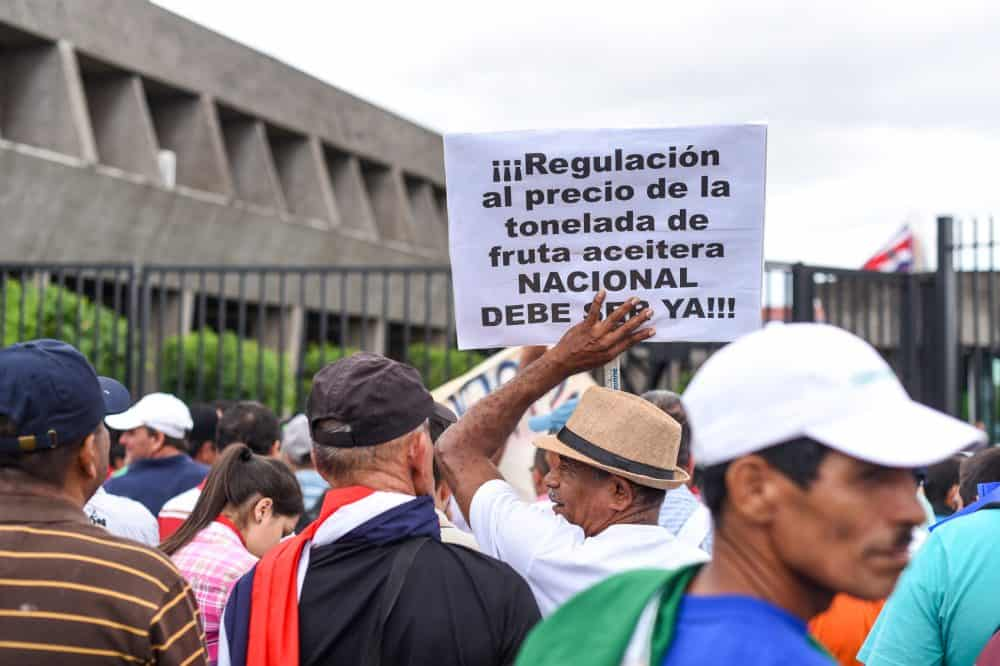 Farmers' demonstration at Casa Presidencial June 23, 2015