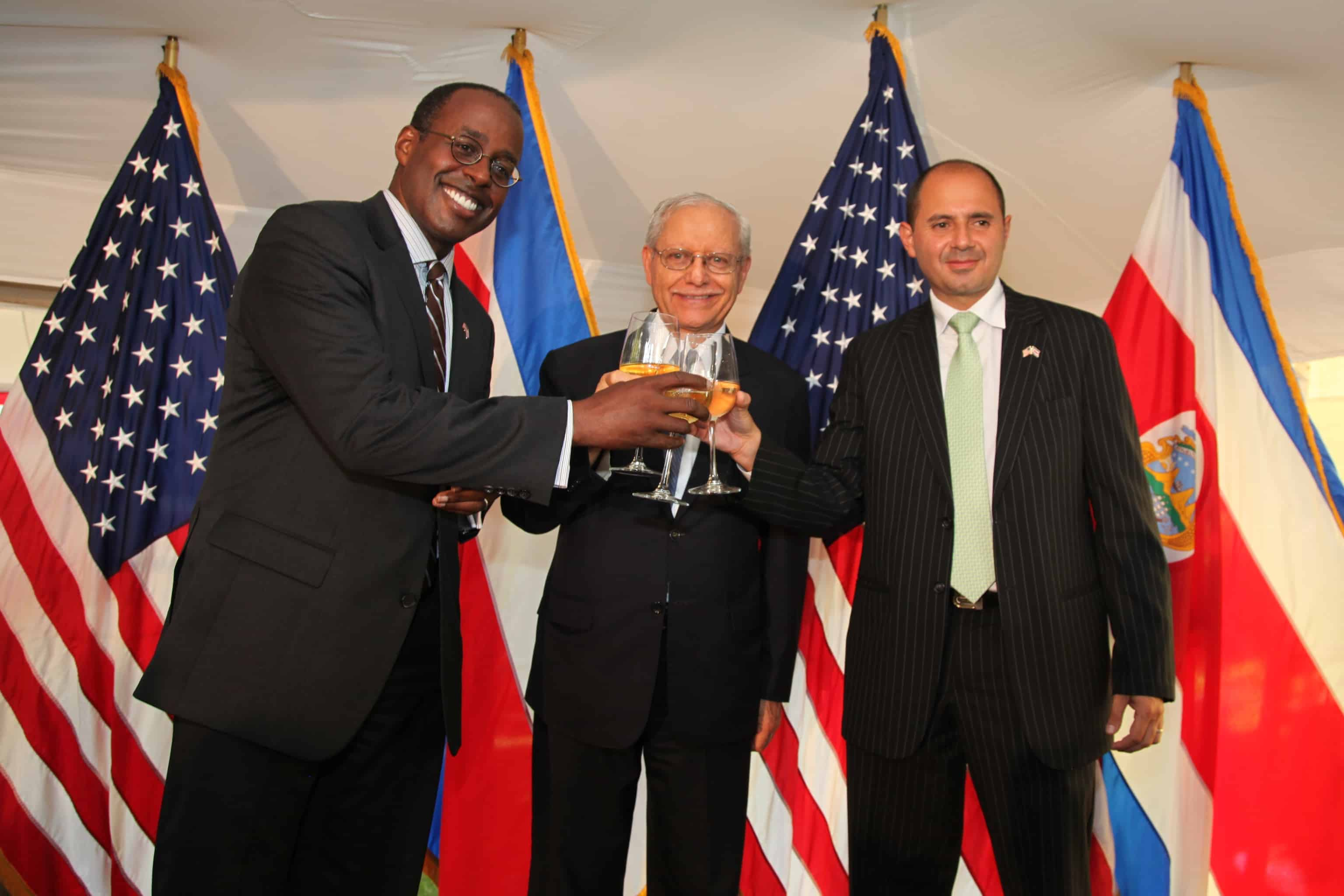 From left to right: U.S. Ambassador to Costa Rica S. Fitzgerald Haney, Costa Rican Vice President Helio Fallas, and Costa Rica's acting Foreign Minister Alejandro Solano on July 2, 2015.