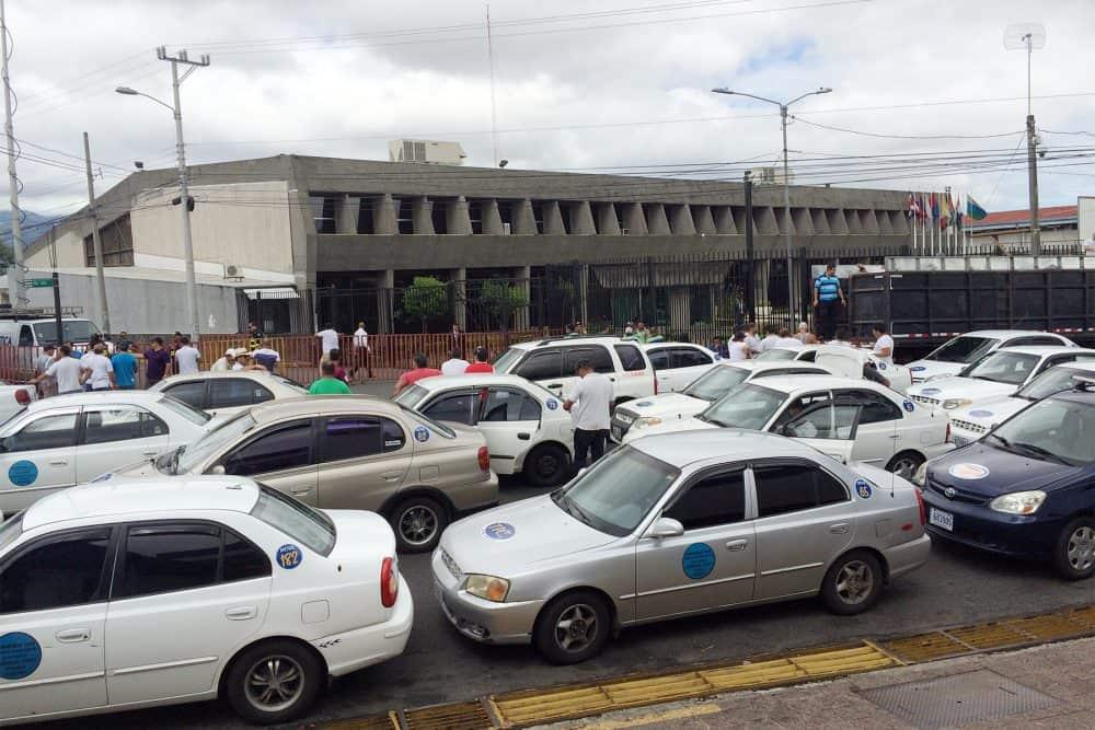 Porteadores demonstration in Casa Presidencial, July 8 2015