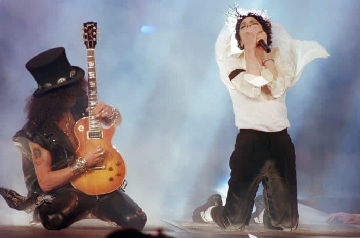 Michael Jackson and guitarist Slash perform.
