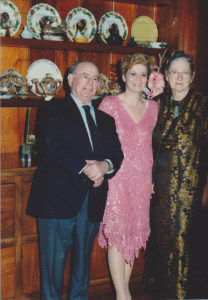 Elaine Fendell, center, with her parents, Jack and Ruth.
