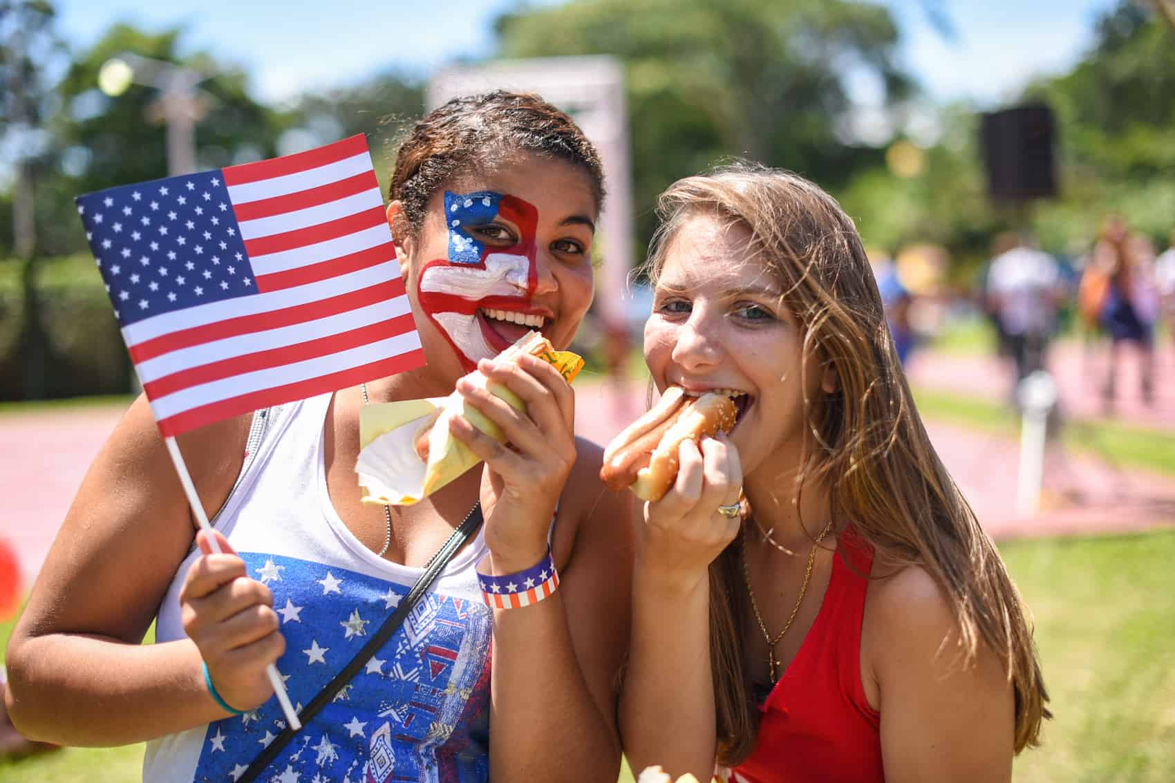 Attendants enjoyed Nathan's hot dogs and other traditional food at the 4th of July picnic at Cervecería Costa Rica on Saturday.