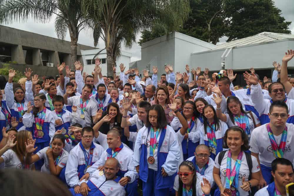 Costa Rica's 2015 Special Olympic team with President Luis Guillermo Solís, Vice President Ana Helena Chacón, and Education Minister Sonia Marta Mora at Casa Presidencial on Aug. 10, 2015.