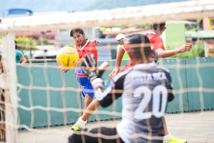 Costa Rica will take eight players to the Homeless World Cup that begins Sept. 12 through the Listening to the Homeless Association, Aug. 31, 2015