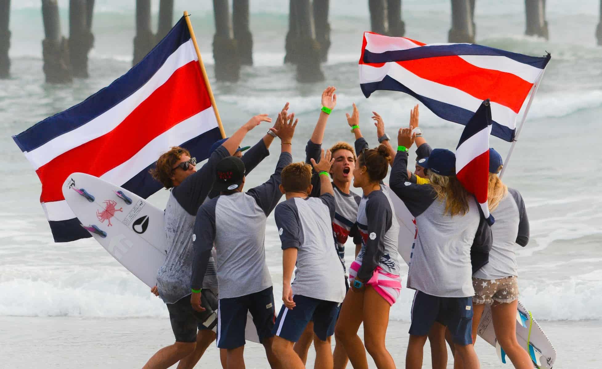 Costa Rica junior surf team