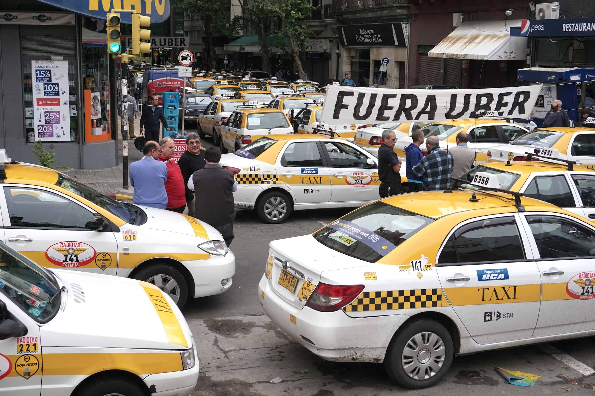 Taxi drivers in Uruguay protest Uber