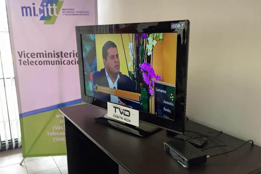 Digital TV set