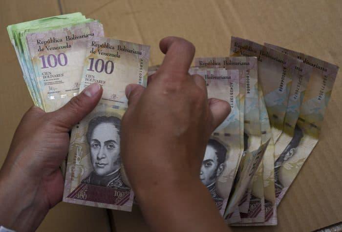 Venezuela facts: currency