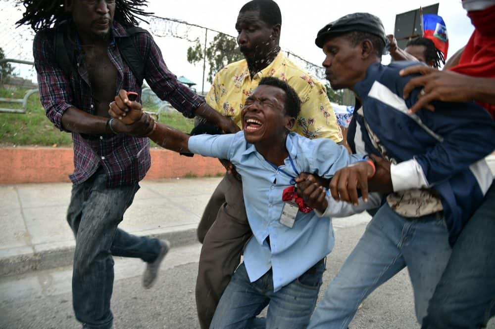 Haiti elections tear gas