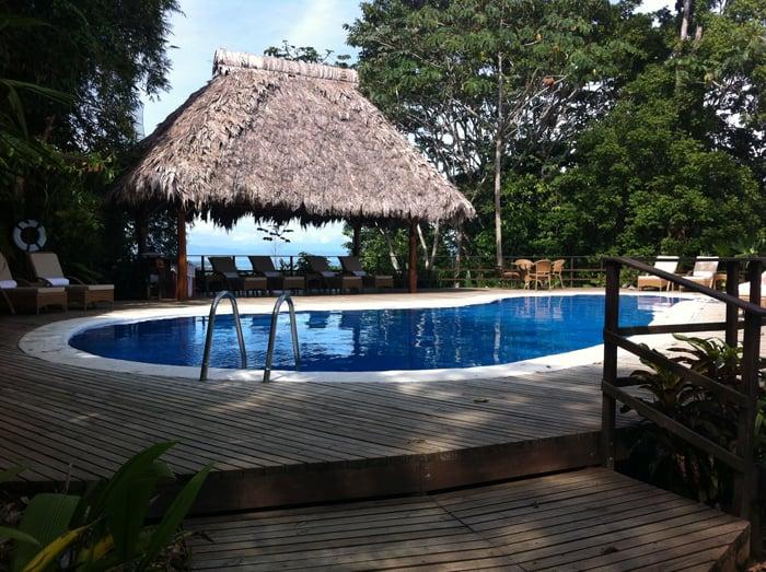 The pool at Lapa Ríos.