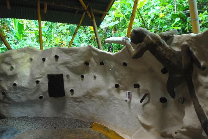 Outdoor showerat Danta Corcovado Lodge.