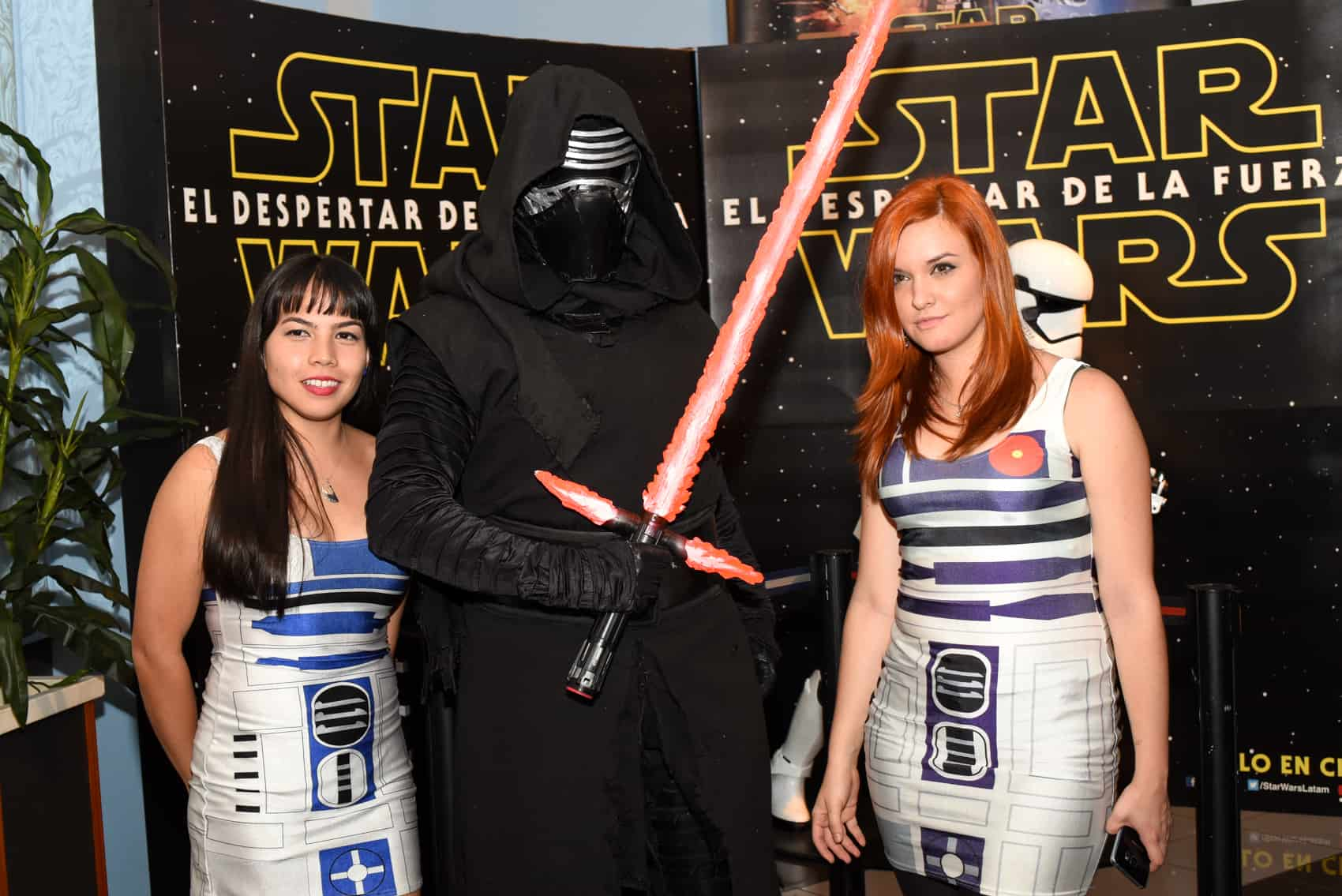 Fans pose with Kylo Ren