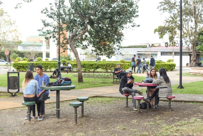 Nothing's better than sharing the afternoon with friends at the Parque Francia. Alberto Font/The Tico Times