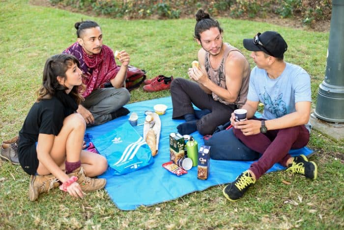 A group of friends enjoys a picnic. Alberto Font/The Tico Times