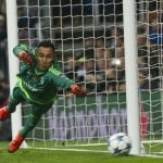 WATCH: Keylor Navas takes flight to make a miraculous diving save