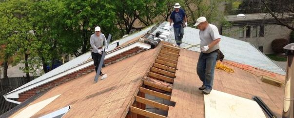 Inspecting the roof before buying a home in Costa Rica, and maintaining it regularly, could save you the cost of a roof replacement.