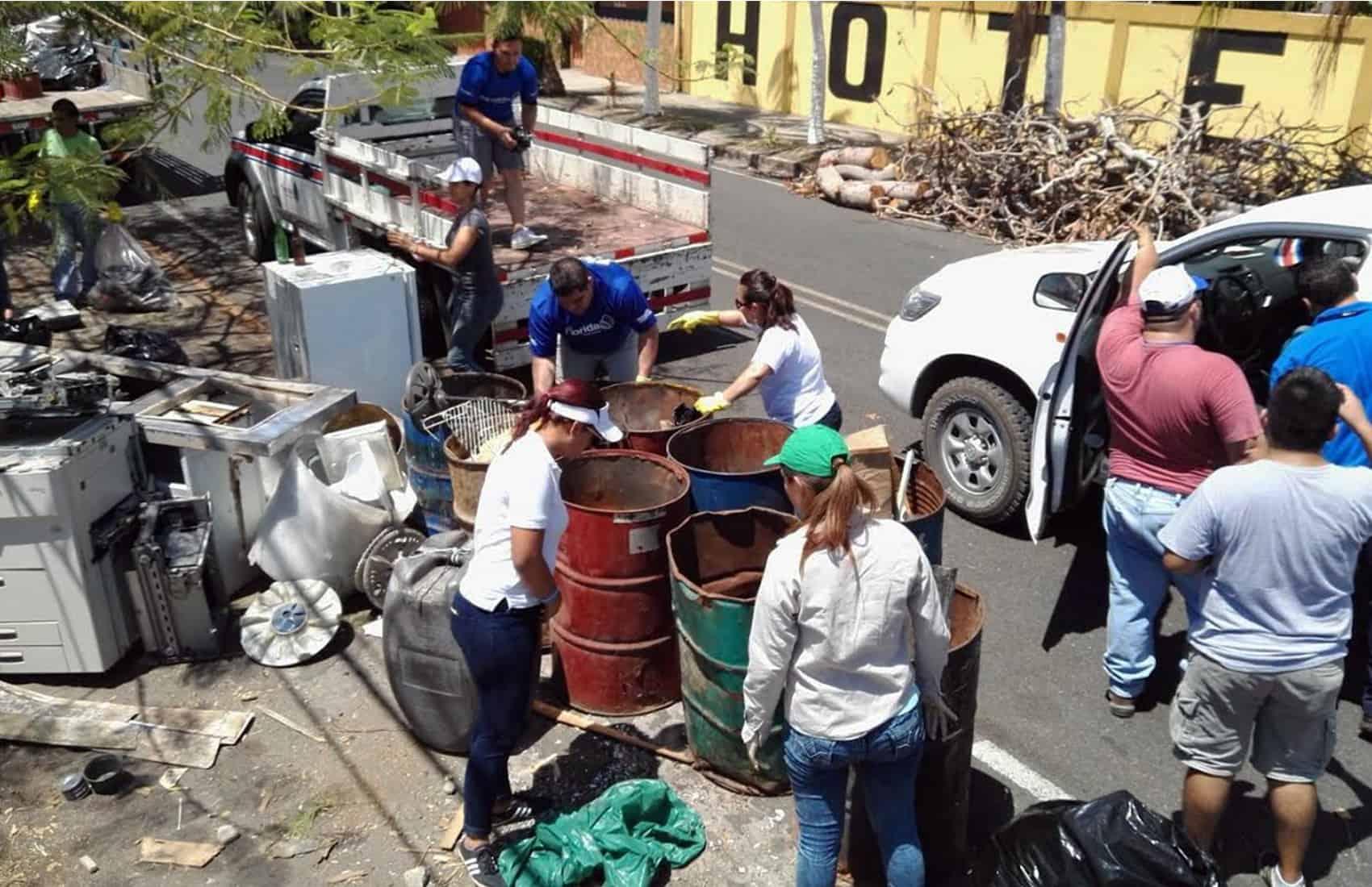 Search of Zika breeding sites in Puntarenas, Feb. 2016