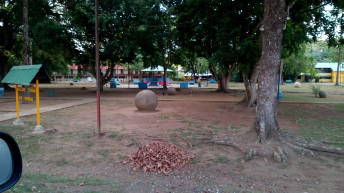 Stone spheres in Palmar Sur park.