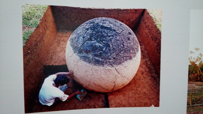 Excavation of a sphere at Finca 6.