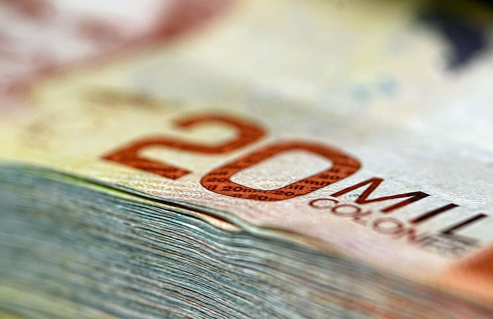 Money, colones banknote