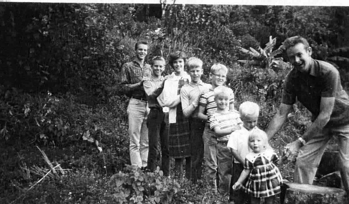Wolf Guindon and children