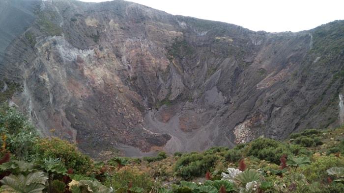 Main crater of Irazú Volcano today.